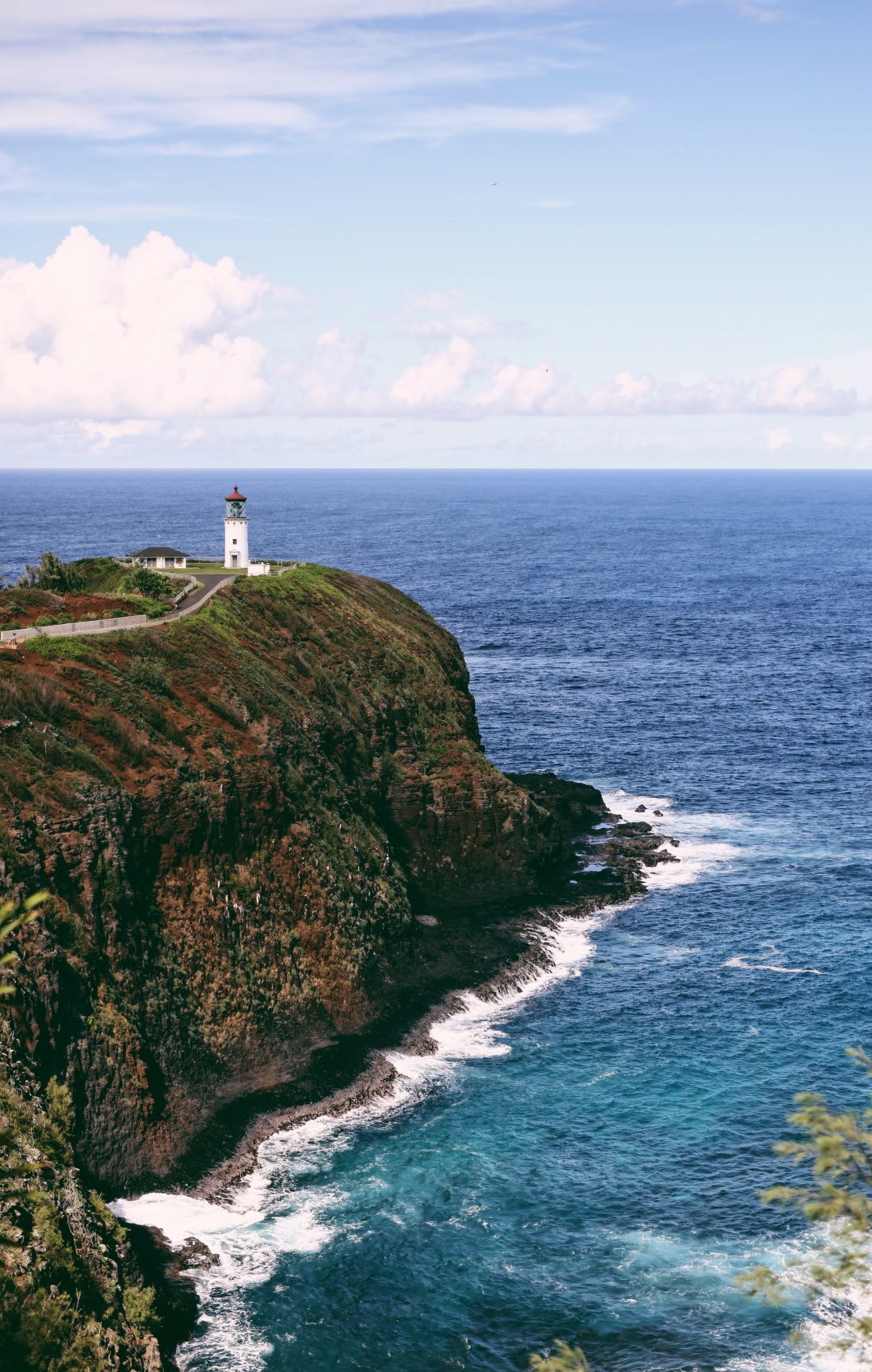 Travel Guide to Kauai, Hawaii | Kilauea Lighthouse | Travel Tips for Kauai | Packing List for Kauai | Helpful Tips for Traveling to Kauai | Kauai Travel Guide | Hawaii Travel Guide | Why You Should Visit Hawaii | Napali Coast Boat Excursion | Activities To Do in Kauai | Best Vacation Places in the World via @elanaloo + elanaloo.com
