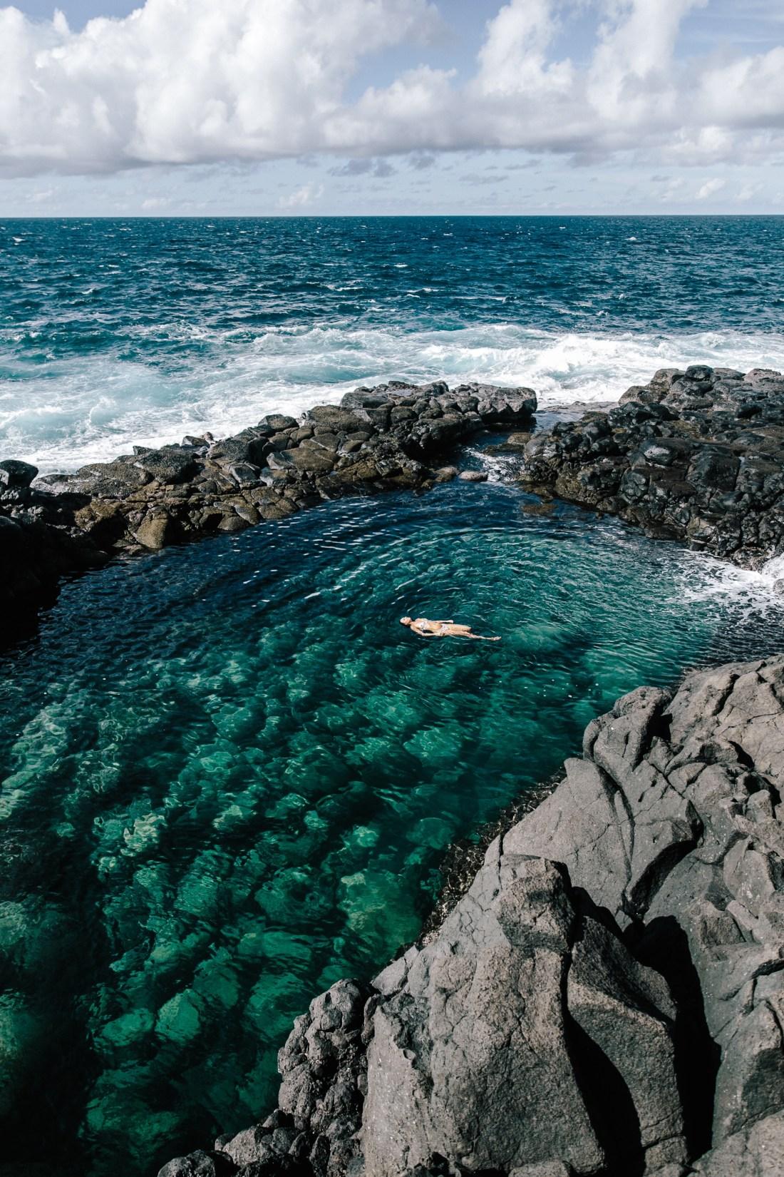 Queen's Bath Kauai   Travel Guide to Kauai, Hawaii   Travel Tips for Kauai   Packing List for Kauai   Helpful Tips for Traveling to Kauai   Kauai Travel Guide   Hawaii Travel Guide   Why You Should Visit Hawaii   Napali Coast Boat Excursion   Activities To Do in Kauai   Best Vacation Places in the World via @elanaloo + elanaloo.com