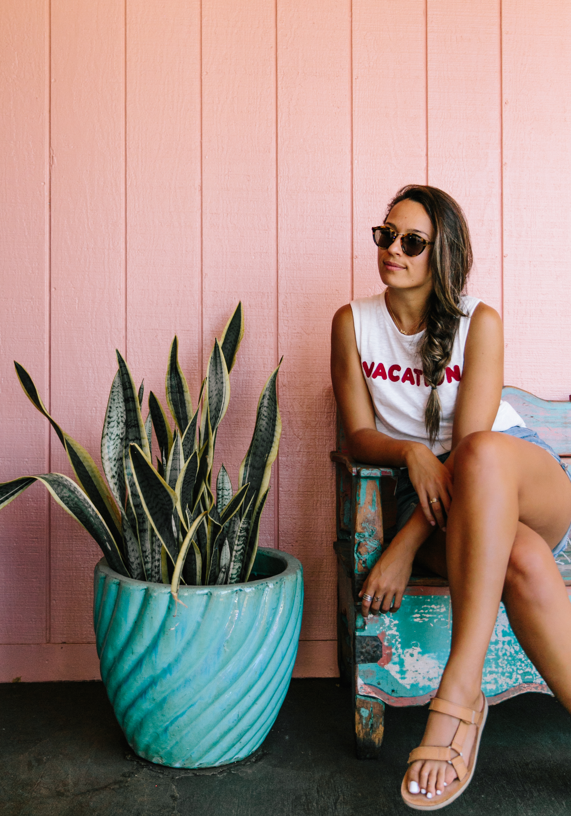 Frida's Beach House Maui | Madewell VACATION Tank | Things To Do In Lahaina | Things To Do in West Maui | Travel Inspiration | Hawaiian Island Hopping | Weekend In Maui | Guide to Spending The Weekend in Maui | Travel Blogger's Maui Recommendations via @elanaloo + elanaloo.com
