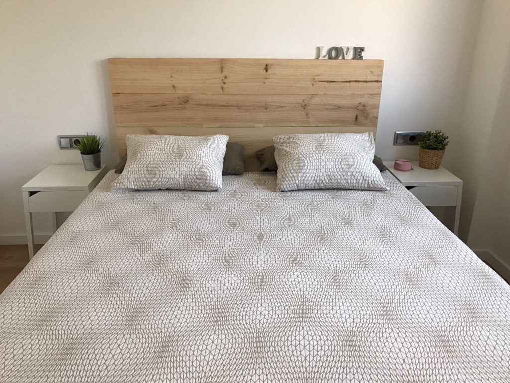 Cabecero de cama fabricado a medida con madera de pino - Cabeceros de cama de madera ...