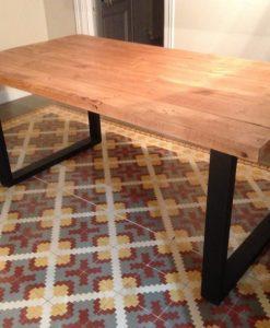 mesa-estilo-industrial-patas-negras