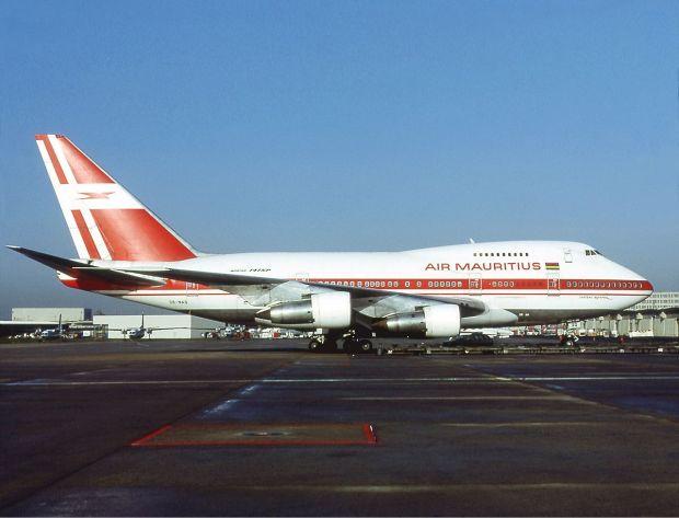 El mismo avión... esta vez bajo los colores de Air Mauritius en 1994 (Michel Gilliand)