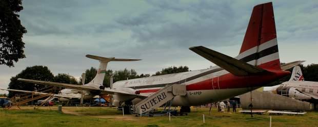 El último Vanguard/Merchantman junto al VC-10 donado por Omán en su aposento final en Brooklands (calflier001 Flickr)