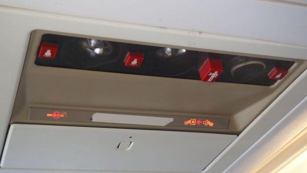 kulula 737-400 A/C and lights