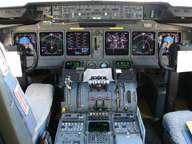 Md-11 cockpit