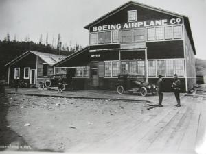 """La primera """"fabrica"""" de aviones Boeing en 1917 ya con el nombre actual de la compañía (Museo del Vuelo de Seattle)"""