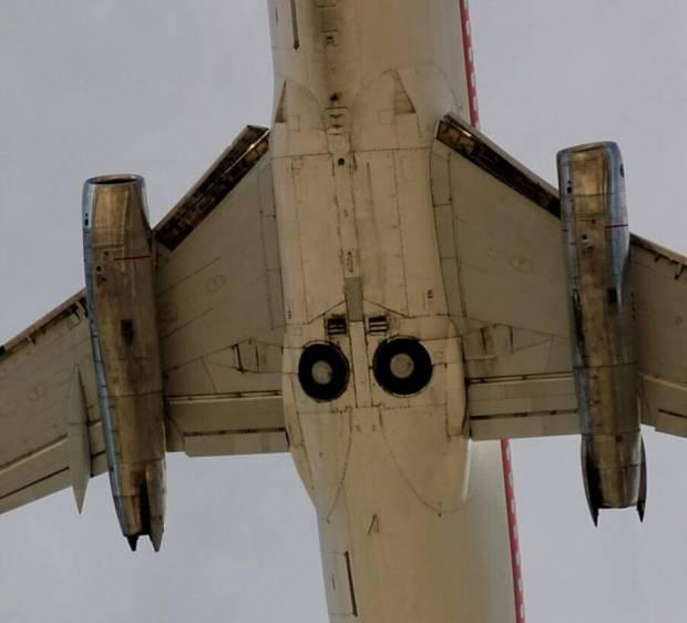 El tren de aterrizaje e un 732Adv (Bryan Correia Flickr)
