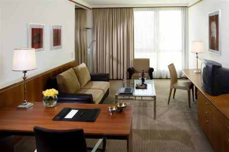 Sheraton-Metechi-Palace-Hotel-Tbilisi-photos-Room-Deluxe-Suite--Living-Room