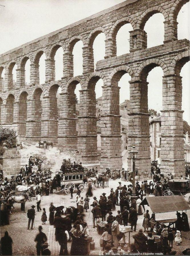 Salida de la Diligencia del Acueducto de Segovia, 1.885