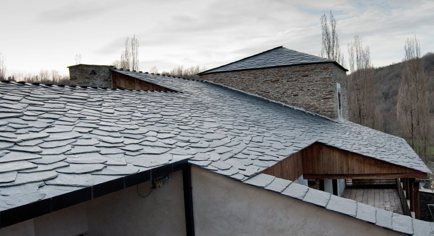 Pizarra para tejados cool pizarra lucera para tejado roto - Tejado de pizarra ...