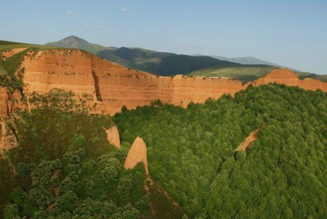 Vista aérea de Las Médulas. | CÉSAR SÁNCHEZ (ICAL)