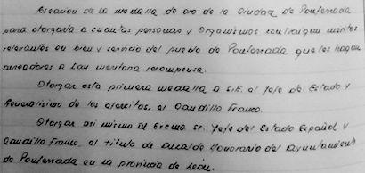 Fragmento del acta que recoge el acuerdo plenario de concesión de la medalla . / (Imagen obtenida por Bierzodiario)