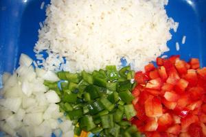 pimientos ingredientes - Pimientos rellenos de arroz y verduritas al wok y salsa a la manzana