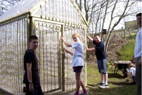 invernadero botellas plastico - Convierte 1.500 botellas de plástico en un invernadero