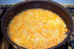 pastel de mijo3 - Pastel de mijo con verduritas y salsa de remolacha