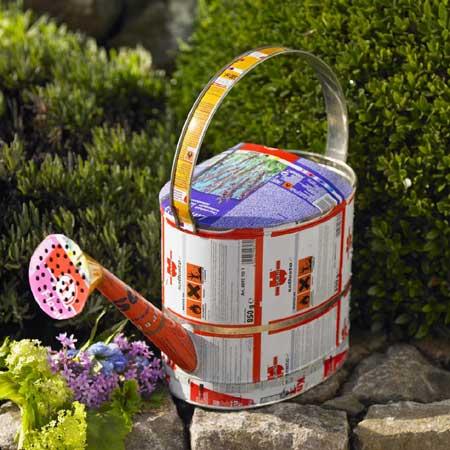 jardin latas2 - Reciclando latas para decorar el jardín