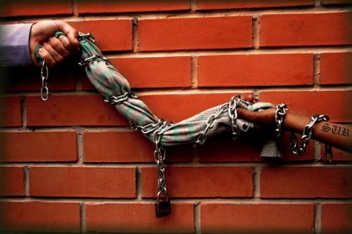 cuando hilos son cadenas - Tirando del hilo. Por una ropa limpia 2/2: el reciclaje está de moda.