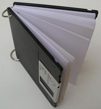 libreta diskette - Redimei: nuevos usos para la basura tecnológica
