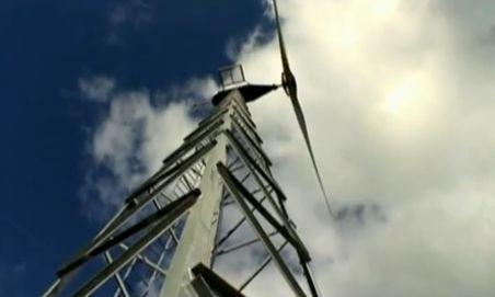 molino de viento1 - Casa autoabastecida con energía eólica. Vídeo de 2' de un hogar danés