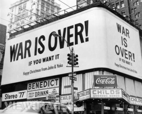 war is over new york - PONER LA OTRA MEJILLA: 10 ideas para vencer al Sistema desde el amor