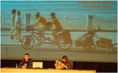 familia6 - Bicicleta y lactancia en tándem y a viajar en familia por el mundo