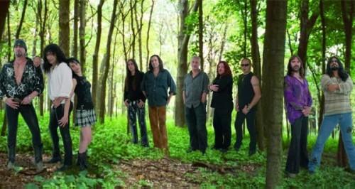 mago de oz 500x266 - MÄGO DE OZ, el grupo heavy-humanista, y su obra Gaia: un grito por la libertad y por el amor a la naturaleza