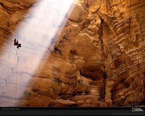 cueva, foto de Stephen Alvarezen para National Geographic