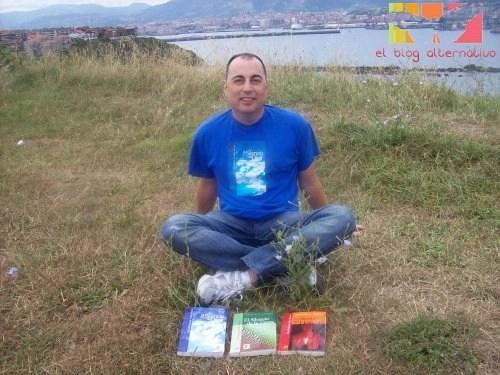 """Luz y Sabiduria Pedro Alonso Libros1 - Entrevista a Pedro Alonso, autor de 3 libros de historias y cuentos de """"Luz y Sabiduría"""""""