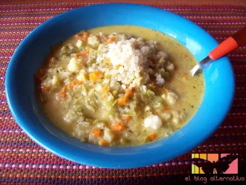 sopa minestrine portada - Receta de sopa Minestrone vegetariana con quinoa