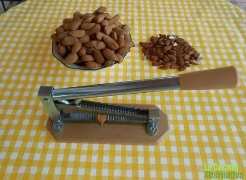 cascar almendrucos1 - cascar almendrucos