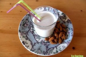 leche almendras - Receta de leche de almendras casera