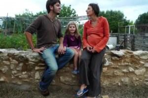 vida y milagros top 570x427 - Vida y milagros de una familia urbanita viviendo en el campo