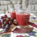 zumo de uva - Zumo de uva negra y hojas de remolacha y 4 recetas más de La Cocina Alternativa
