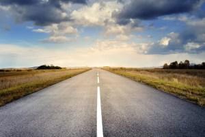 carretera - 8 consejos para viajar en coche este verano