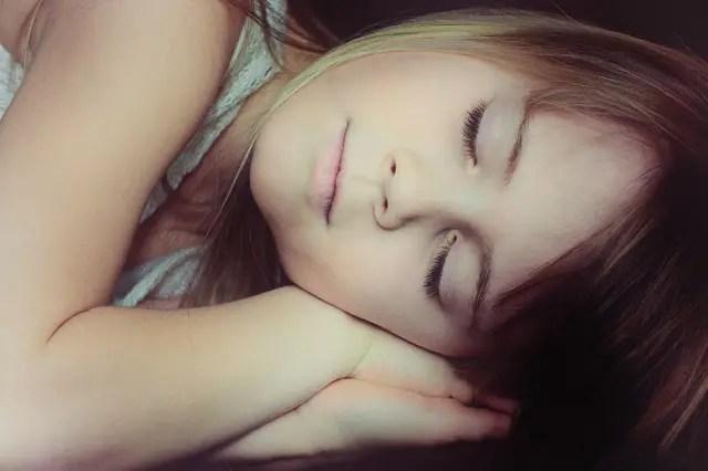 dormir - La vuelta al cole, momento para promover hábitos saludables en nuestros peques