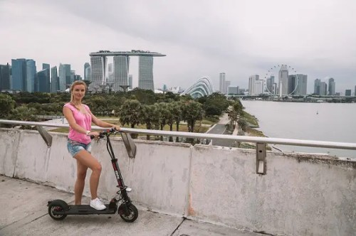 paseo con patinete eléctrico