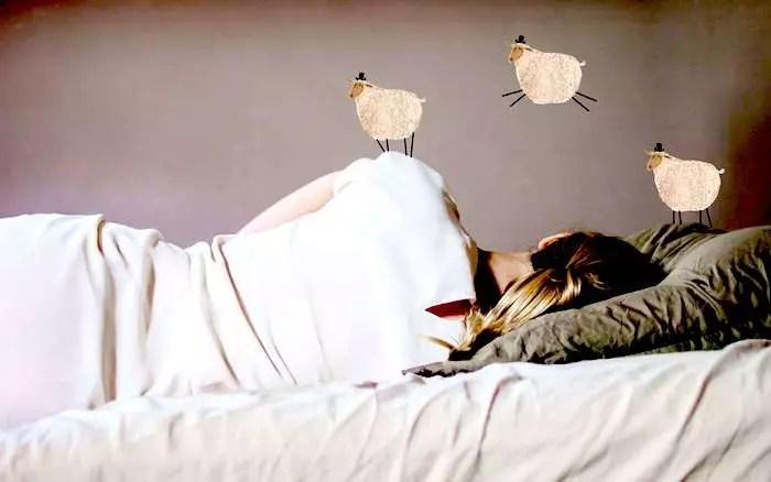 ¿Son el insomnio y dormir demasiado síntomas de depresión posparto?