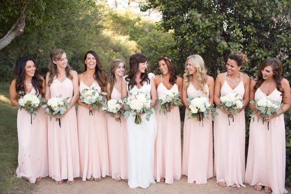 Resultado de imagen para novia y damas de honor