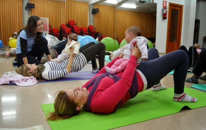 Yoga mamás y bebés: sethu bandhasana