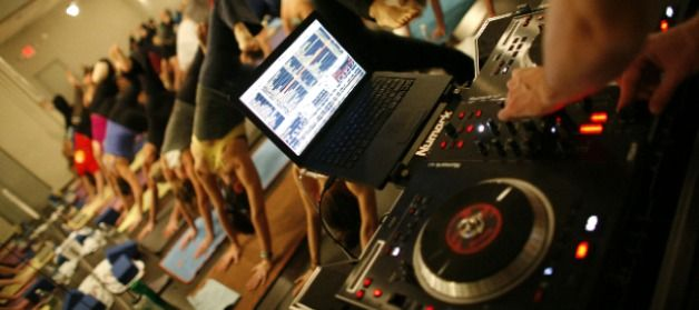 Música de yoga: DJ en una clase de yoga