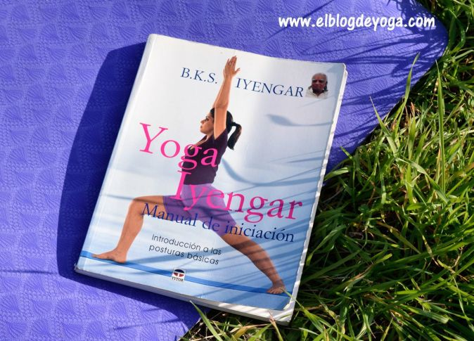 Portada libro Yoga Iyengar manual de iniciación