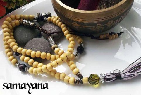 regalos de yoga navideños: mala o rosario tibetano