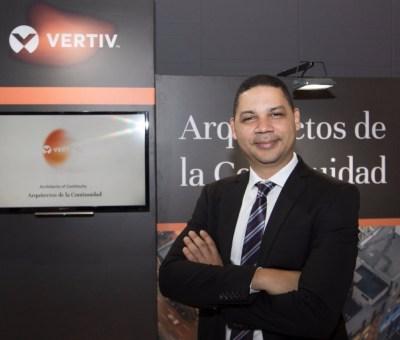 Alex Nivar, vocero de la empresa Vertiv