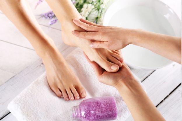 Incluye en los propósitos de 2020 incorporar en tu rutina de belleza el cuidado de los pies.