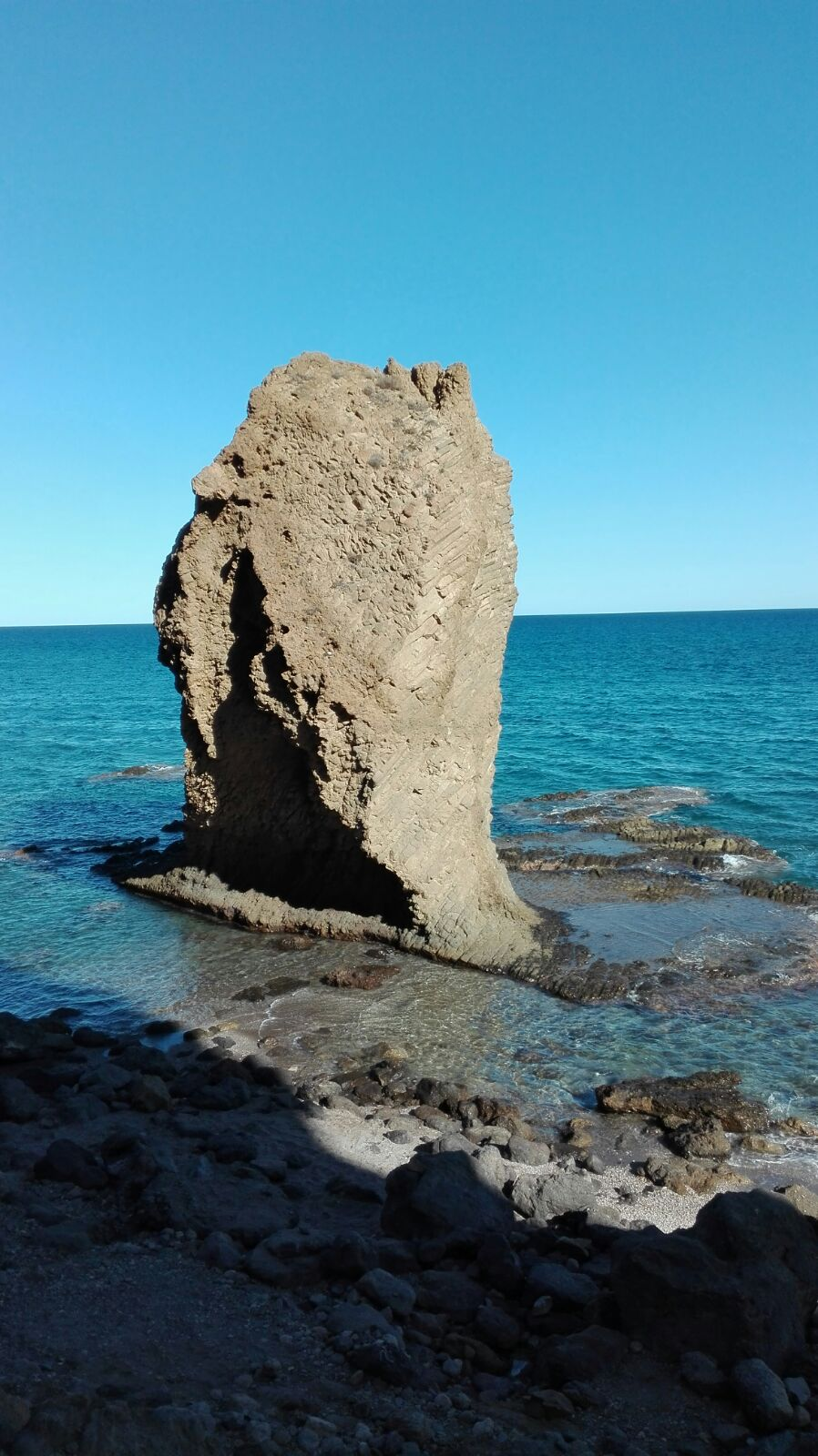 Peñon de la playa del Sobrerico