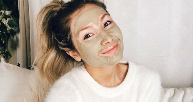 ٧ وصفات طبيعية لتبييض الوجه وتفتيحه لا يجب أن تفوتك .. الشبكة نت