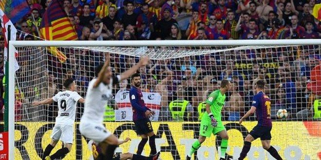 رياضة ..ملخص مقابلة برشلونة 1 وفالنسيا 2  في نهائي كأس الملك   خسارة لقب اخر للبرسا