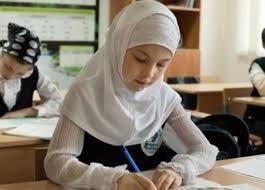 احوال المسلمين .. الجماعة الإسلامية بالنمسا ترفض حظر الحجاب بالمدارس الابتدائية