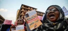"""هل تصبح السودان """"دولة علمانية"""" بعد إقصاء """"الشريعة""""؟!"""