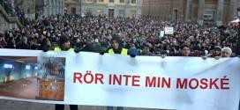 احوال المسلمين .. السويد.. يمينيون متطرفون يدعون إلى قتل المسلمين